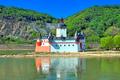 Burg Pfalzgrafenstein, auf der Insel Falkenau im Rhein bei Kaub gelegen.png