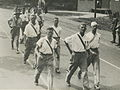Burgerdeelneemers op het parcours van 55 km onderweg op de eerste dag van de 24e – F40488 – KNBLO.jpg