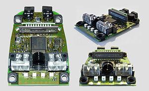 Circuito stampato di uno scanner di codici a barre CCD da diverse angolazioni. Produttore: Datalogic.
