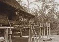 COLLECTIE TROPENMUSEUM Drie Batakvrouwen op de toeré-toeré veranda van een traditioneel Batakhuis Karolanden Sumatra`s Oostkust TMnr 60012273.jpg
