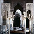 COLLECTIE TROPENMUSEUM Mannen reinigen zich bij een fontein in de Qarawiyin-moskee TMnr 20018162.jpg