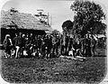 COLLECTIE TROPENMUSEUM Nadat de kraton in Kota Radja zonder strijd was genomen lieten J. van Swieten en zijn officieren zich ter plaatse fotograferen. TMnr 60003296.jpg