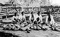 COLLECTIE TROPENMUSEUM Vrouwen verwijderen vruchtvlees uit kokosnoten voor de bereiding van kopra op de Europese onderneming Wijnkoopsbaai te Java TMnr 10012493.jpg