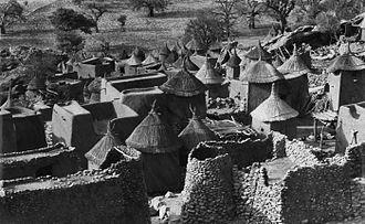 Bandiagara Cercle - Village in Bandiagara Cercle ca. 1970