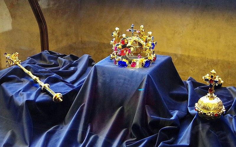 CZ-Prag-hrad-koenigsp-kronjuw.jpg