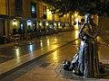 Calle Daoiz y Velarde - Vendedoras del Fontán - Oviedo - panoramio.jpg