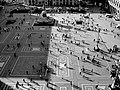 Calpestando ombre di gente... (2079291234).jpg