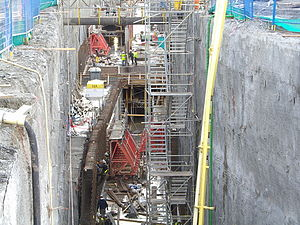 Canada Line cut and cover construction 2007.JPG