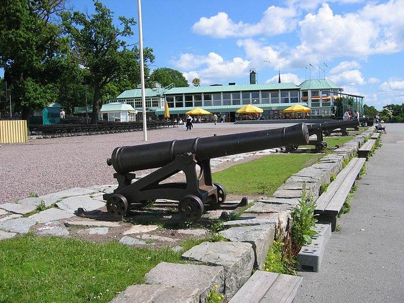 Cannons at skansen 050701.JPG