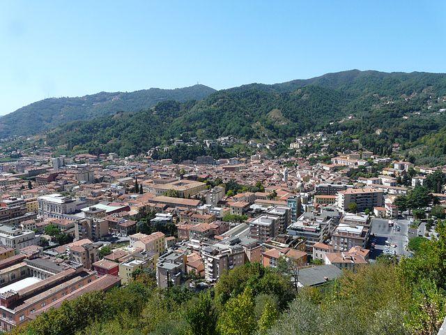 Carrara-panorama dalla strada per Colonnata1