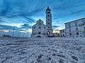 Cattedrale di Trani all' alba.jpg