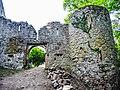 Château d'Andlau. Première porte d'entrée, vue de l'extérieur.jpg
