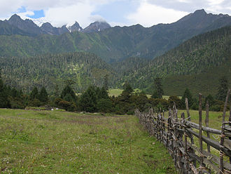 Karuo District - Image: Chamdo County 2