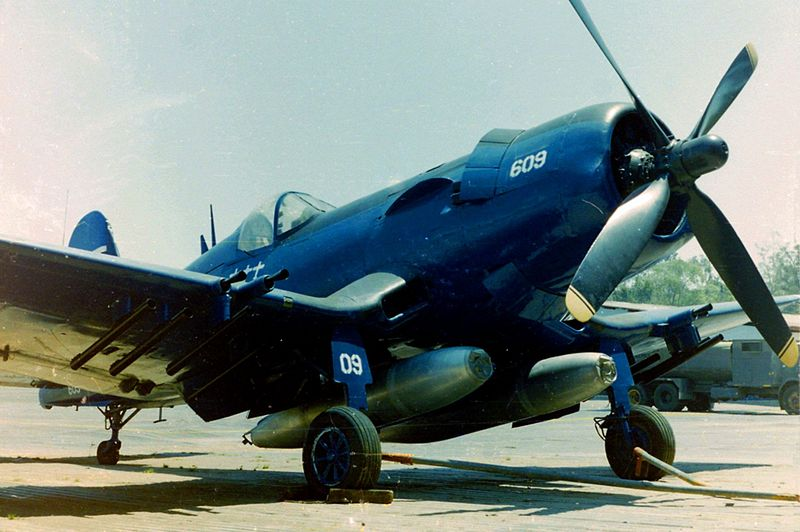 File:Chance vought corsair f4u-5n FAH-609.jpg