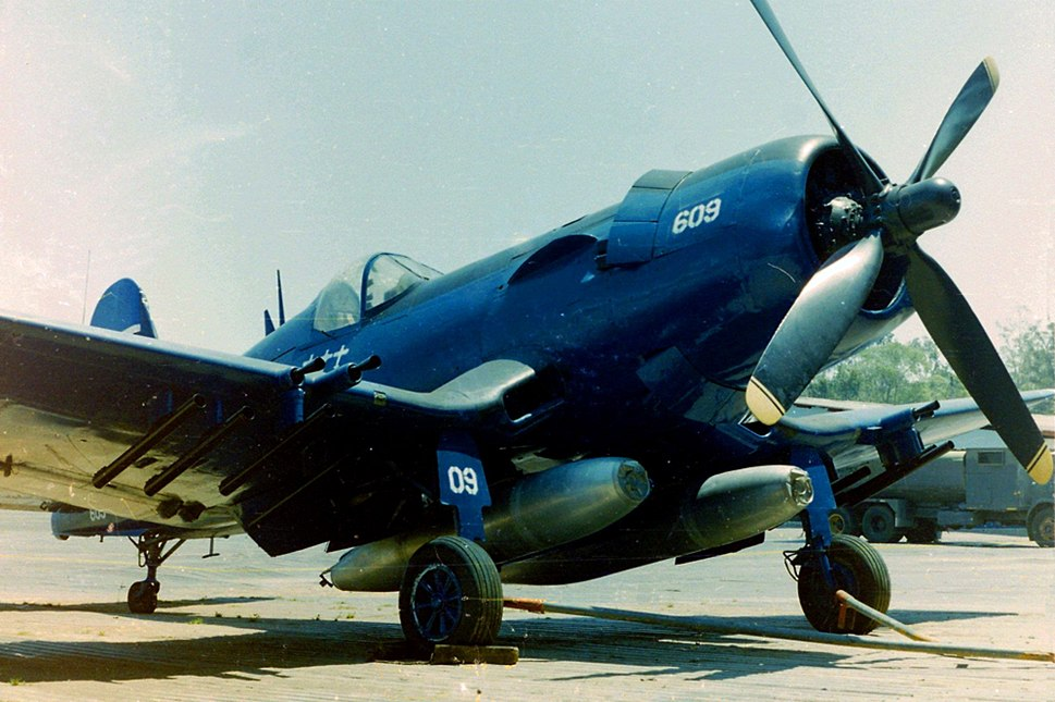 Chance vought corsair f4u-5n FAH-609