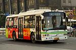 Changsha Bus 303 - SK-32 - Volvo - SWB6100V2 - WuYi Avenue (16661559282).jpg