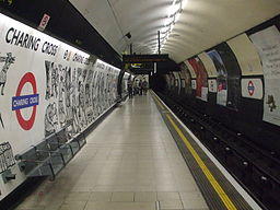 Charing Cross tube stn Northern northbound look south