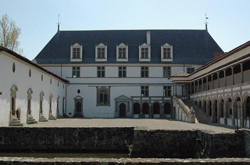 File:Chateau Bastie d'urfé-Saint Etienne le Molard.jpg