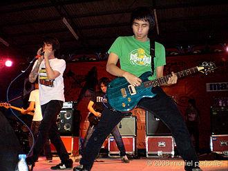 Aria (guitar company) - Image: Chicosci (2008)