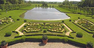 Château de Vendeuvre - The formal parterre of lawn and gravel with box-hedging