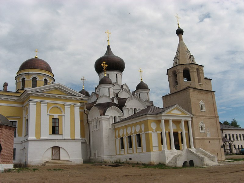 Файл:Church Complex in Staritsa.jpg