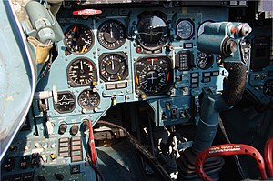Cockpit of Sukhoi Su-33.jpg