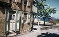 Collectie Nationaal Museum van Wereldculturen TM-20029488 Een woning opgetrokken uit Nederlandse bakstenen Sint Eustatius Boy Lawson (Fotograaf).jpg