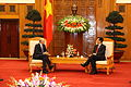 Con el Primer Ministro Nguyen Tan Dung (6) (6862414670).jpg