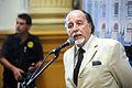 Congresista declara en el hall de los pasos perdidos (7027297779).jpg