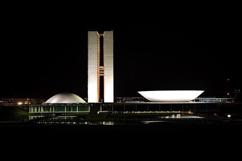 Ficheiro:Congresso Nacional BR noite.jpg