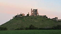 Corfe Castle from the Swanage Railway (7225303170).jpg