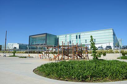 Costa Urbana Shopping Centerへの交通機関を使った移動方法
