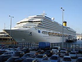 Costa Concordia in Piraeus.jpg