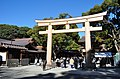 Courtyard of Meiji Shrine2.jpg
