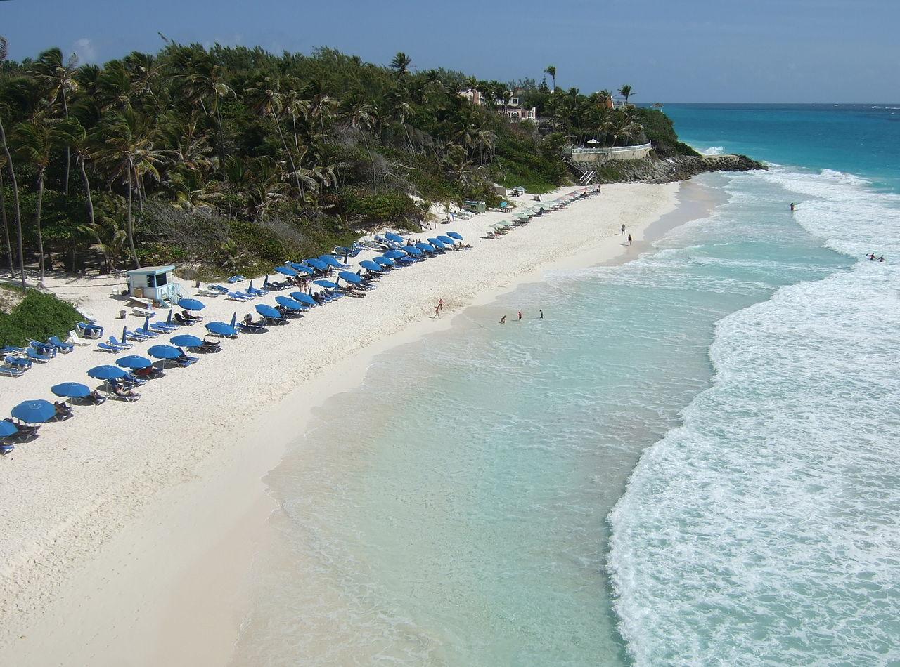 Pantai Crane terletak di pantai tenggara