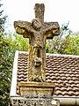 Croix ancienne, près de la fontaine-lavoir d'Aillevans.jpg