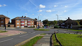Albany Park, Bexley - Image: Crossroads at Albany Park