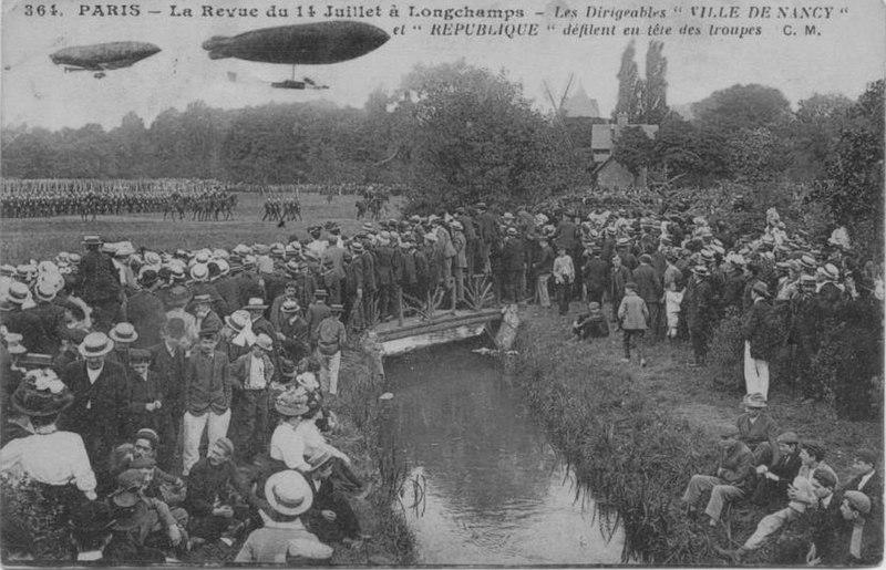 Fichier:Défilé du 14 juillet hippodrome de Longchamp.jpg