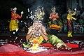 DSC 4254 wikimedia2020 deni dahniel tradisi tari piriang kaco mingkabau.jpg