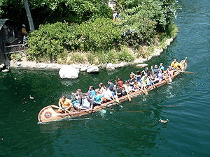 Davy Crockett Explorer Canoes - Canoe cruising around the Rivers of America