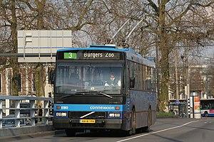 Trolleybuses in Arnhem - Image: Den Oudsten B88 Trolley in Arnhem (2008)