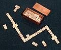 Domino, xviii-xix secolo, in osso e mogano.jpg
