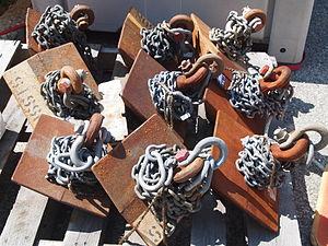 Mooring (watercraft) - Dor-Mor pyramid-shaped anchors used in mooring