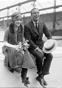 Douglas Fairbanks and Mary Pickford 02