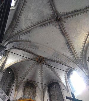 Gasparo Cairano - The vault of the presbytery of the Duomo Vecchio of Brescia, with the two keystones of Gasparo Cairano (1491)