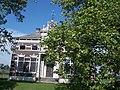 Dwarshuisboerderij in eclectische stijl Oostwold 1890 - 1.jpg