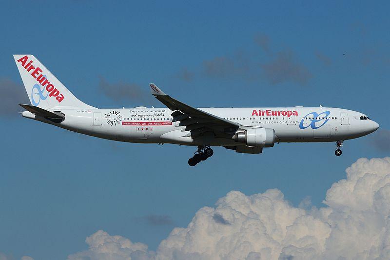 File:EC-KOM - Airbus A330-202 - Air Europa (27427068946).jpg