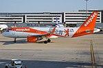 EasyJet Europe (Berlin Livery), OE-IZQ, Airbus A320-214 (46715953395).jpg