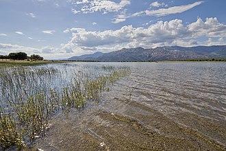 Santillana reservoir - Image: Embalse de Santillana y La Pedriza 01