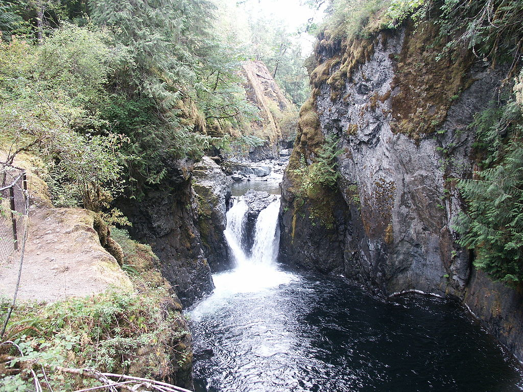 Englishmen-river-falls2